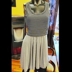 Old Navy vertical & horizontal dress elastic waist